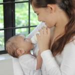 完全母乳でも「哺乳瓶でミルクを飲む」練習をしておきましょう