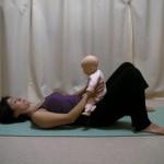 赤ちゃんをあやしながらできるお腹エクササイズで産後ダイエット