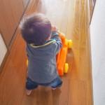 赤ちゃんの股の開きが悪くて発見されることが多い 『先天性股関節脱臼』